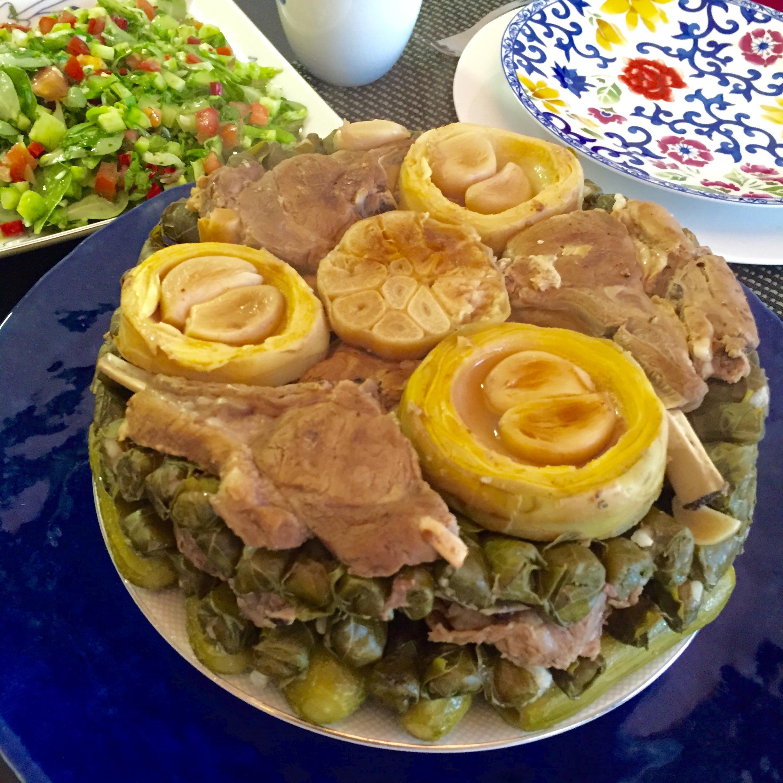 على الطريقة السورية ورق العنب بالرز واللحم يبرأ Rmmana